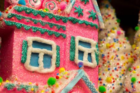 casita de dulces: Decoraciones de Navidad, casa del caramelo, casa de pan de jengibre Foto de archivo