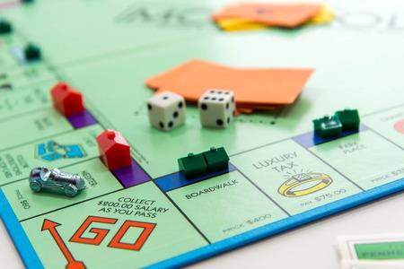 Monopoli gioco da tavolo Archivio Fotografico - 33737125
