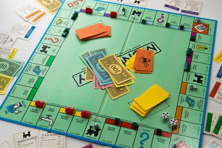 Juego de mesa Monopoly Foto de archivo - 33737135
