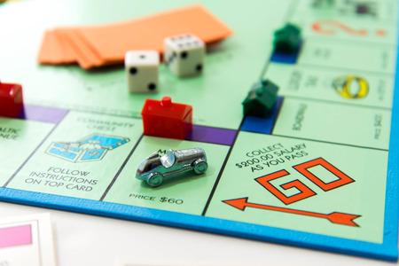 Juego de mesa Monopoly Foto de archivo - 33737225