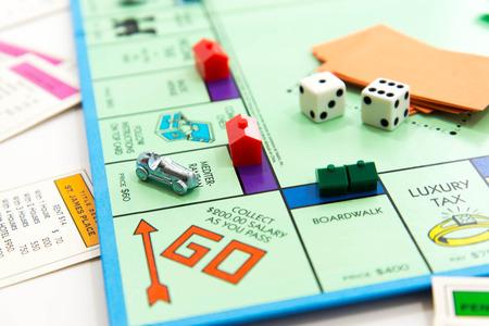 Juego de mesa Monopoly Foto de archivo - 33737226