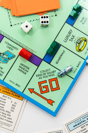 Juego de mesa Monopoly Foto de archivo - 33737229