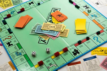 Juego de mesa Monopoly Foto de archivo - 33737246