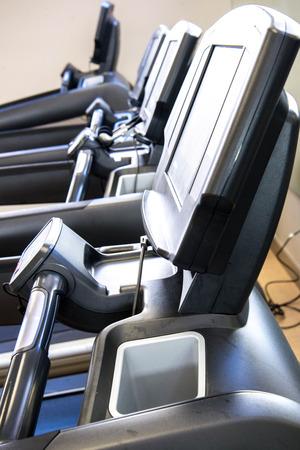 Indoor exercise equipment -  treadmill with sunlight Zdjęcie Seryjne