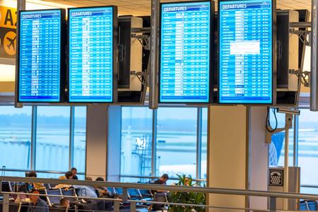 lugagge: IAH, Houston Intercontinental Airport, Houston, TX, USA - flight information display screens