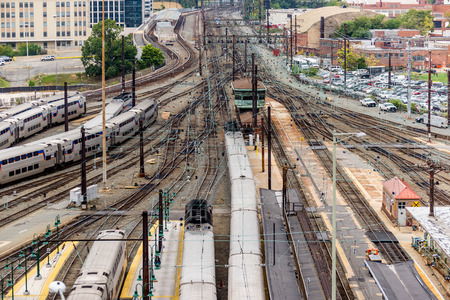Washington, DC: Trains and overhead cables at Union Station