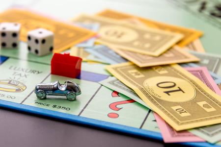 8 februari 2015 - Houston, TX, USA. Monopoly spelbord met de auto op Park Place
