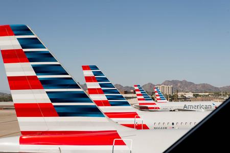 02 de octubre 2015, Phoenix, Arizona, EE.UU. - aeropuerto PHX. American Airlines aviones en rampa