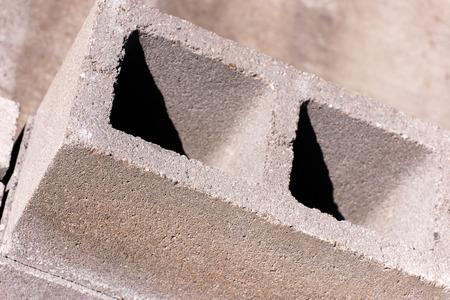 materiales de construcción al aire libre - CMU bloques Foto de archivo
