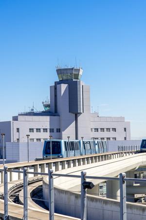 Torre de control en el aeropuerto Internacional de San Francisco