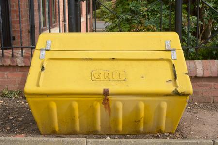 grit: Yellow plastic grit box