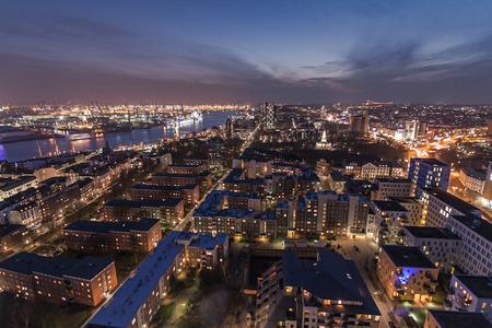 reeperbahn: Shot of the city of Hamburg