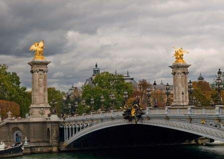 well known: Image of the well Known bridge in paris, taken in late , cloudy afternoon