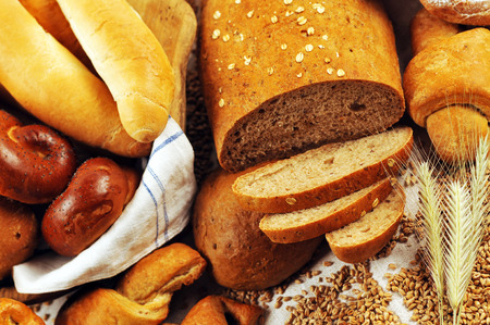 crus: Composition with bread and rolls, combination of pastries for bakery or market with wheat