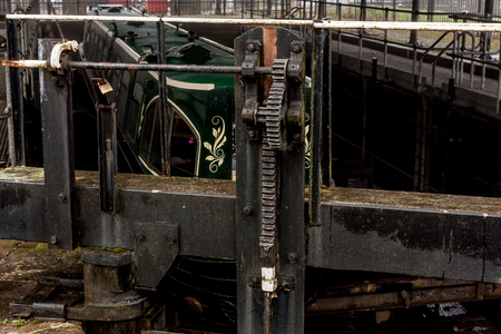 The teeth and cogs of the mechanism that controls the entry point to the lock and dry dock Banque d'images