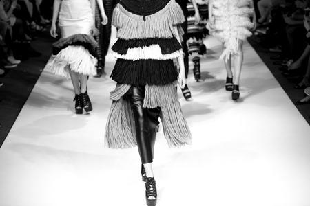 moda: sfilata di moda Archivio Fotografico