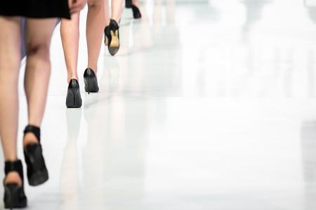 tacones rojos: Desfile de moda