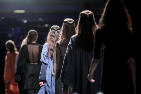 Desfile de moda Foto de archivo - 56150884