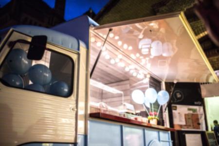 Food Truck Blurred on Purpose 版權商用圖片 - 71426481