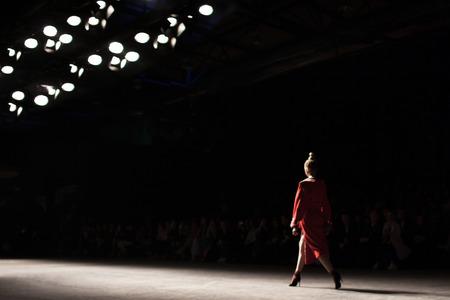 Fashion Show, Catwalk Runway Event Ein verschwommenes Ziel