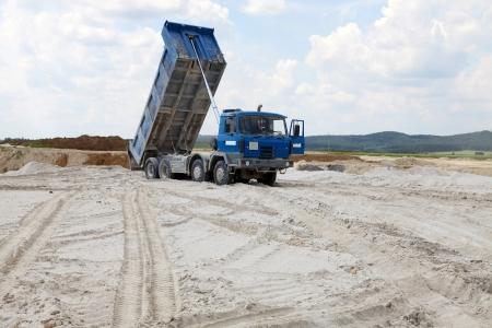 Vracht vrachtwagens met dump lichaam Stockfoto