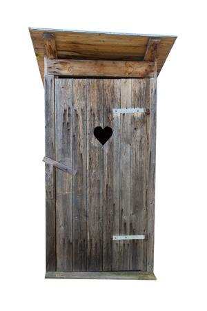 Kleine houten buiten wc op wit wordt geïsoleerd