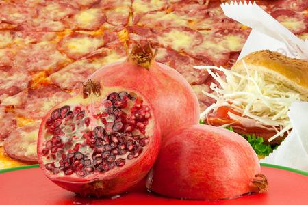 comida chatarra: La comida chatarra vs fruta