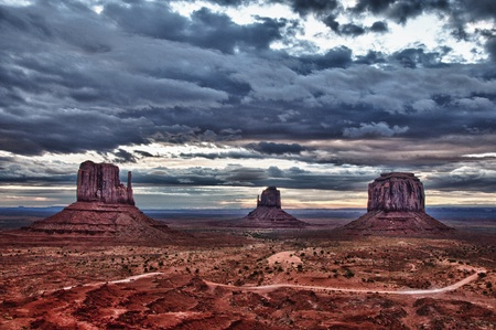 rule of thirds: Monument valley before sunrise