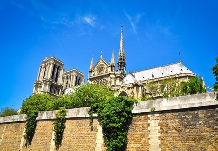 hugo: Notre Damme cathedral in Paris, view from the river