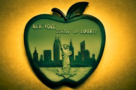 ny: New York big apple magnet Stock Photo