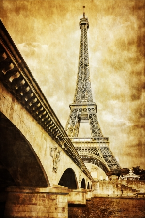 steel bridge: Eiffel tower vintage retro view from Seine river, Paris Stock Photo