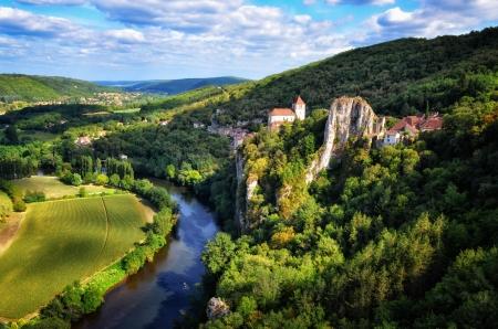 Cirq la Popie Dorf auf den Klippen malerischen Blick, Frankreich Standard-Bild - 15413698