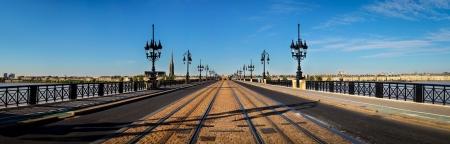 Bordeaux Panorama der Brücke Standard-Bild - 15518621