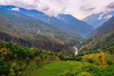 Tropical landscape mountain valley, Annapurna Himmalayan area, Nepal Zdjęcie Seryjne - 19752123