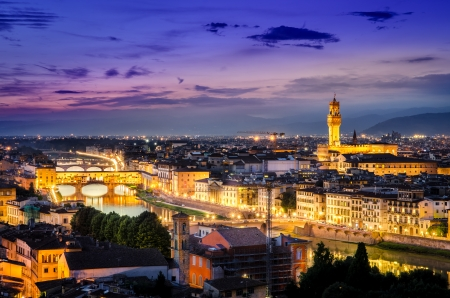 vechio: Scenic night view of Florence with Ponte Vechio and Palace, Italy