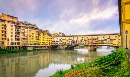ponte vecchio: View of famous Ponte Vecchio bridge in Florence, Italy Stock Photo