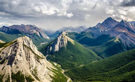 rocky mountain national park: Mountain range landscape view in Jasper NP, Rocky Mountains, Canada