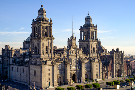 View of Zocalo square and cathedral in Mexico city, Mexico 免版税图像 - 51546030
