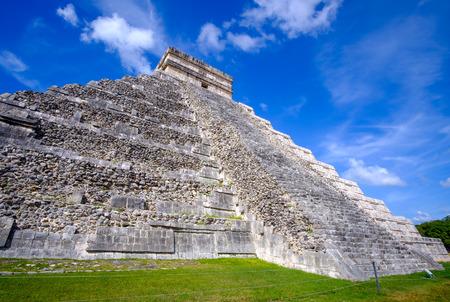 Scenic view of Mayan pyramid the Castillo in Chichen Itza, Mexico