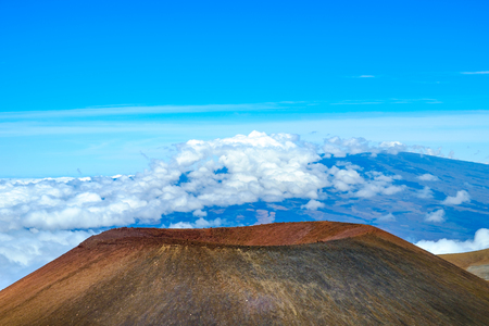 summits: Detail landscape view of volcanic crater on Mauna Kea, Hawaii, USA