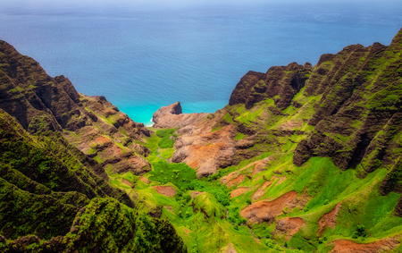 Aerial landscape view of Na Pali coastline, Kauai, Hawaii, USA 免版税图像