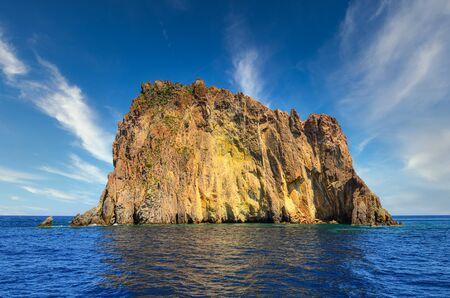 Elephant rock formation in the ocean near Stromboli island, Sicily, Italy, Europe 免版税图像
