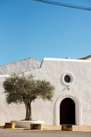 Old White Church of Santa Anges de la Corona, Ibiza, Spain. Banque d'images - 134804069