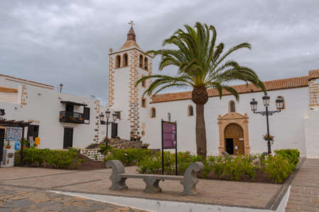 Betancuria, Fuerteventura, Spain: 2020 October 6: Santa María Betancuria in Bentancuria on the island of Fuerteventura in Spain in summer. 新聞圖片