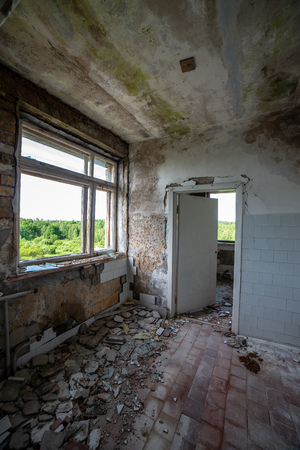 interrior of old military building in latvia. abandoned living space Stockfoto