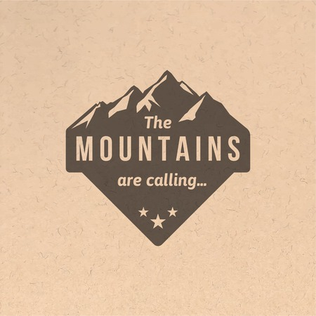Mountain label with type design in vintage style Vettoriali