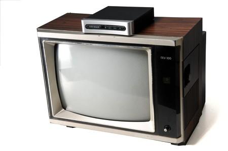 Vintage Woodgrain tv mit digital-Wandler Standard-Bild - 7863634