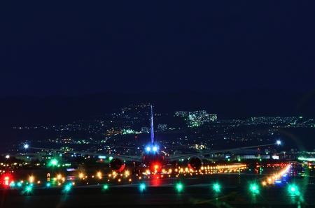 Night airport 版權商用圖片