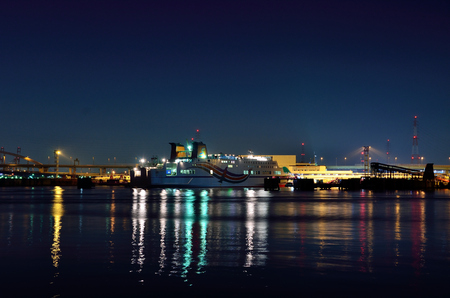 lightup: Night view of the port