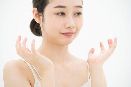 Skin care, women (trouble, rough skin)